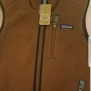 Patagonia vest size xs  moccasins brown... new wit